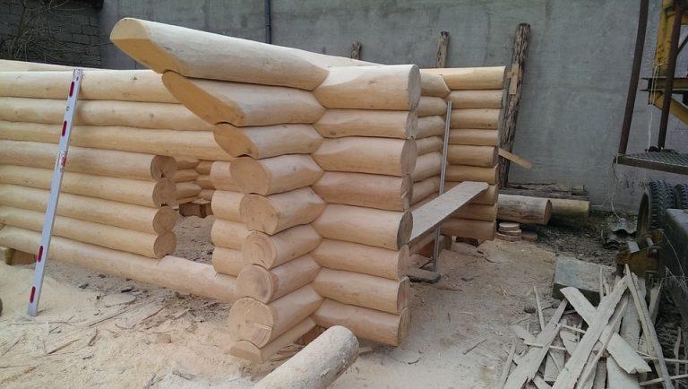 Read more about the article Budowa i wykończenie domu drewnianego