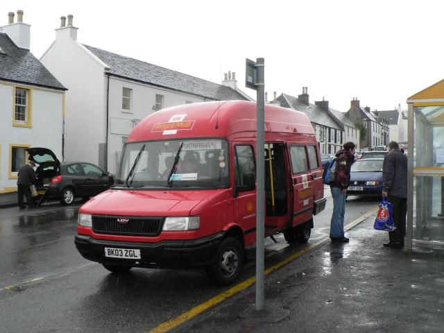 Przewóz uchodźców do ich rodzin w Anglii