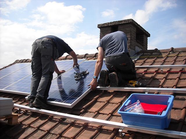 Wykorzystanie paneli słonecznych i pomp ciepła do ogrzania domu