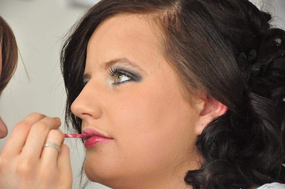 You are currently viewing Depilacja laserowa i inne sposoby, aby zadbać o swoje piękno