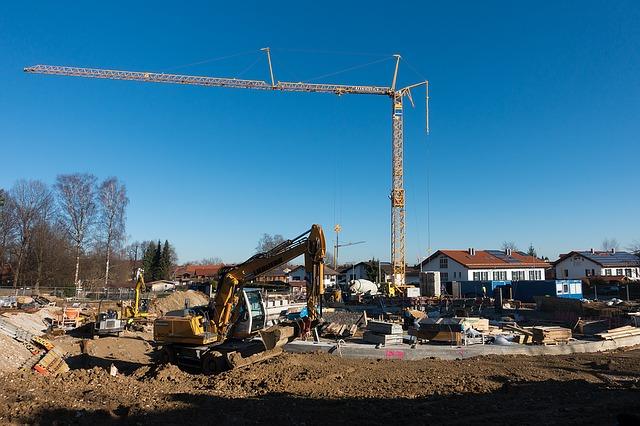 Read more about the article Jak ogrodzić teren na czas przebudowy domu drewnianego?
