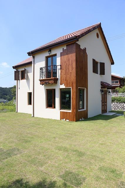 Read more about the article Jak zadbać o wizerunek domu z zewnątrz – malowanie dachu, pielęgnacja ogrodu
