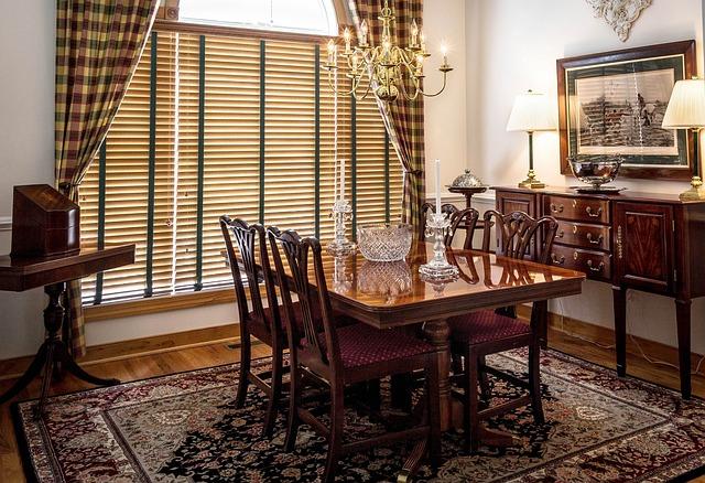stoły drewniane