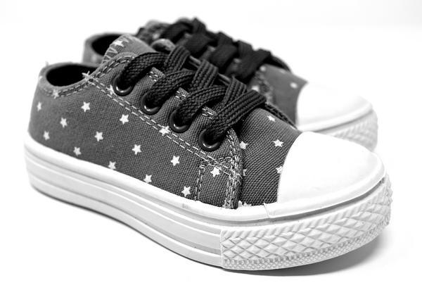 Buty profilaktyczne noszone przez dzieci