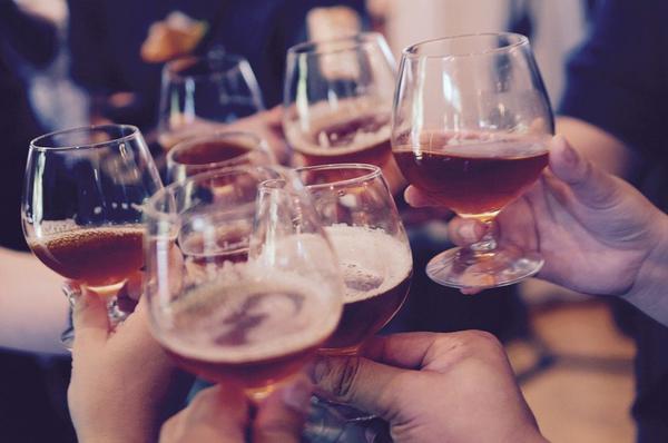 Odtrucie po zbyt dużej ilości wypitego alkoholu