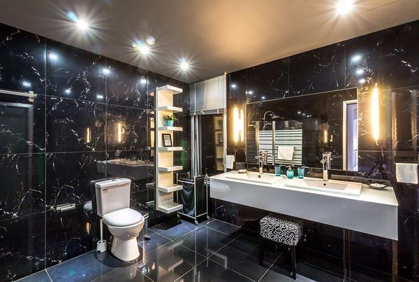 Wybór akcesoriów łazienkowych