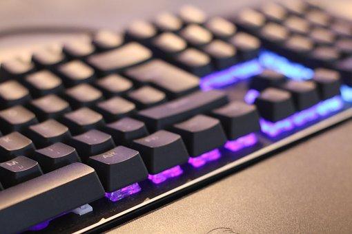 You are currently viewing Jaką podświetlaną klawiaturę kupić?